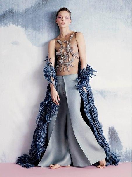 Art Nouveau- Sasha Pivovarova By Ben Toms For V #95 Summer 2015