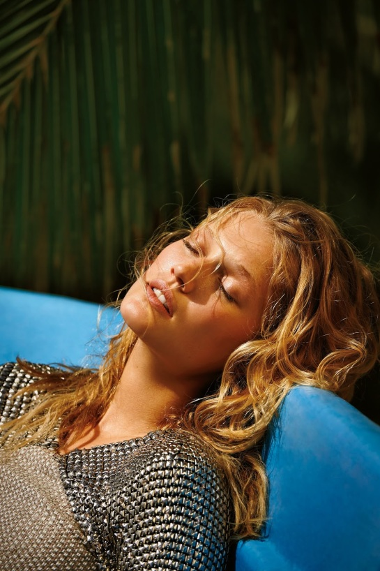toni-garrn-02-daily-summer-may-2015-by-gilles-bensimon