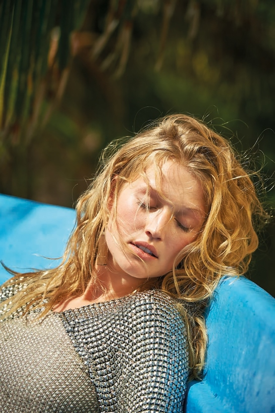 toni-garrn-20-daily-summer-may-2015-by-gilles-bensimon