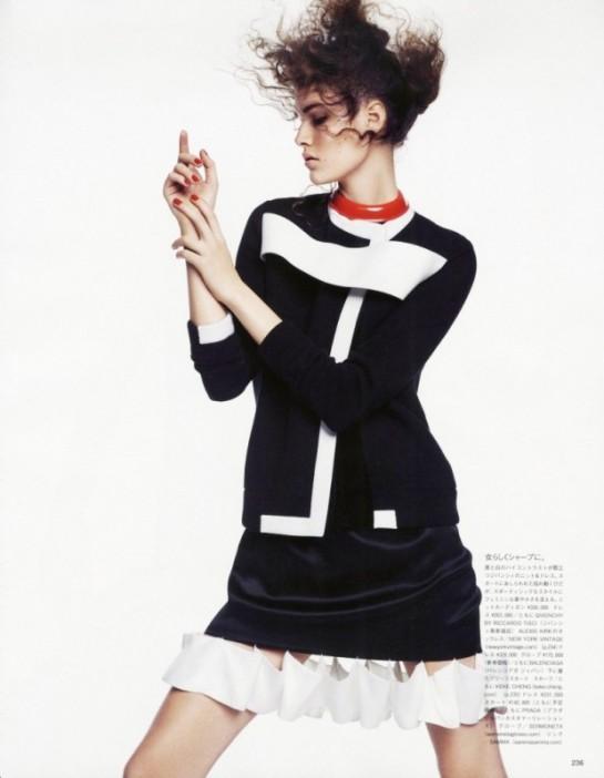 Vogue-Japan-July-2015-3-795x10241-620x799
