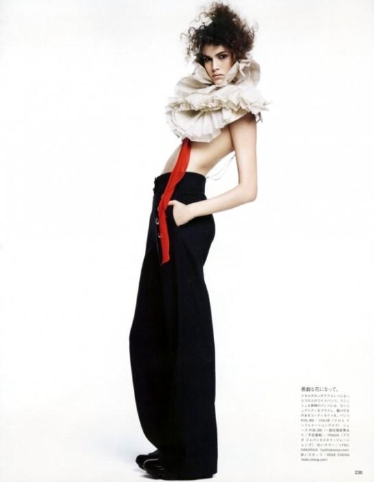 Vogue-Japan-July-2015-5-795x10241-620x799