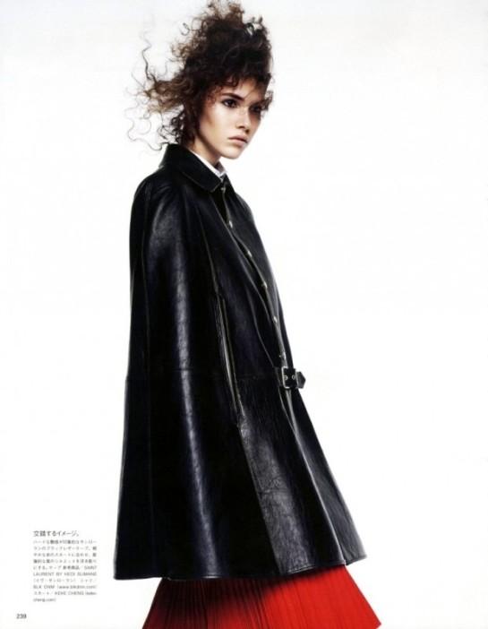 Vogue-Japan-July-2015-6-795x10241-620x799
