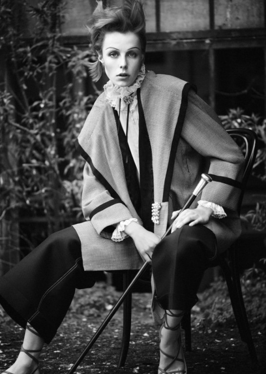 edie-campbell-by-boo-george-for-twin-magazine-springsummer-2015-10-598x840
