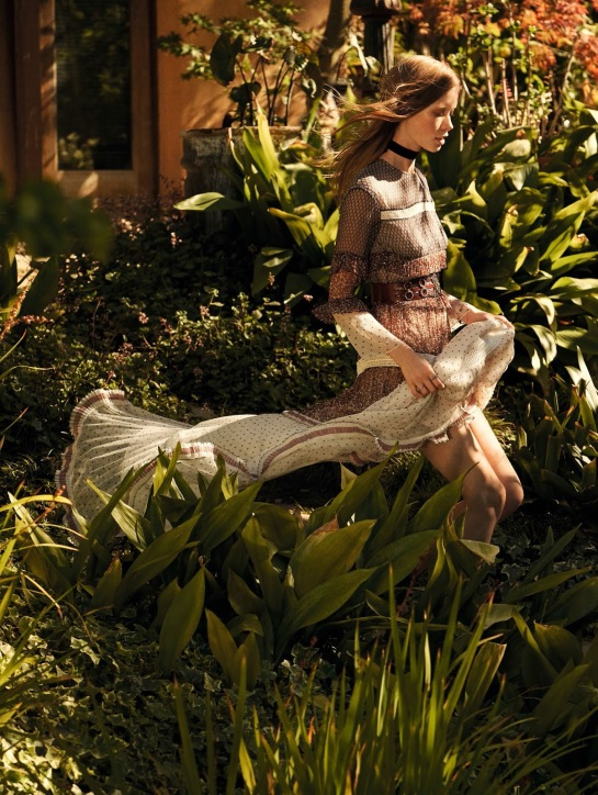 Vogue-China-Julia-Hafstrom-by-Mark-Segal-July-2015-04