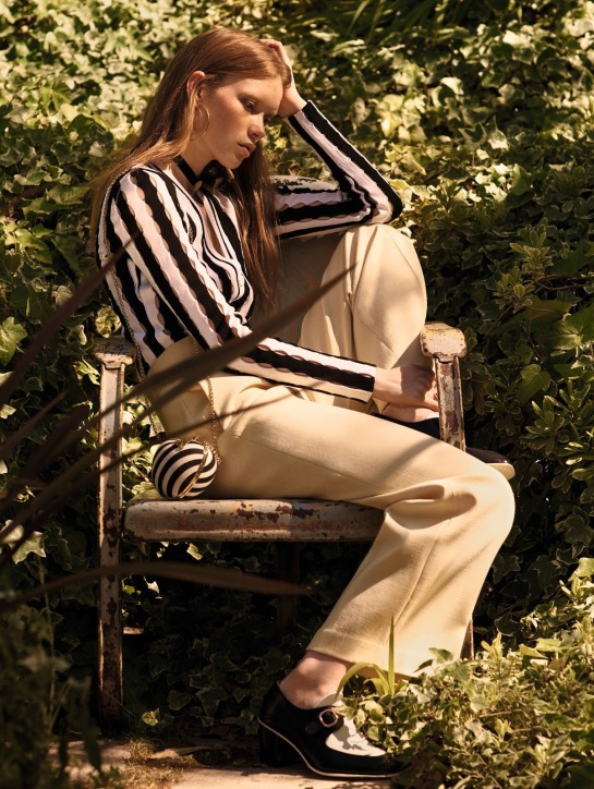Vogue-China-Julia-Hafstrom-by-Mark-Segal-July-2015-10