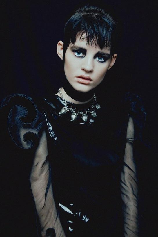 Hannah-Elyse-Stark-by-Bonnie-Hansen-for-Black-Magazine-02