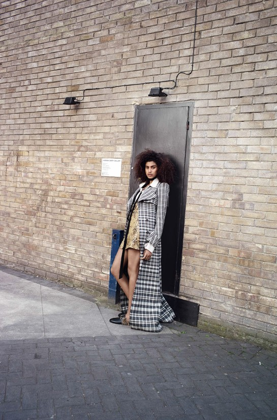 imaan-hammam-vogue-uk-august-2015-4