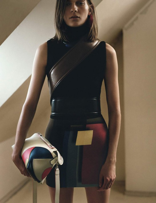 karolin-wolter-zoe-ghertner-uk-vogue-august-2015-1