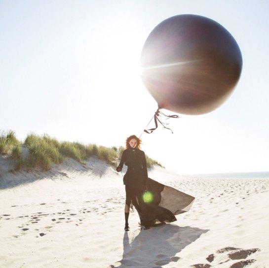 natalie-westling-by-inez-van-lamsweerde-vinoodh-matadin-for-w-magazine-september-2015-1