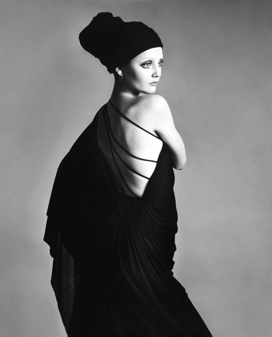 Ingrid Boulting by Richard Avedon, Paris, January 1970