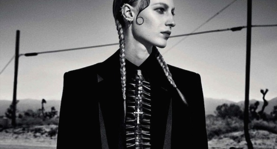 julia-nobis-by-luigi-and-iango-vogue-germany-october-2015-02