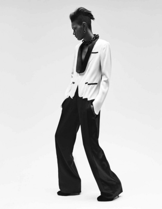 model-ysaunny-brito-by-jan-welters-for-vogue-netherlands-november-2015-5aazz-620x803