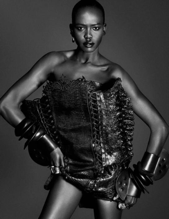 Vogue-Germany-December-2015-Grace-Bol-by-Luigi-and-Iango.1jpg-620x805