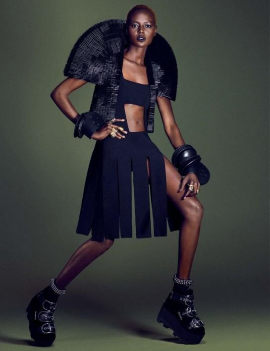 Vogue-Germany-December-2015-Grace-Bol-by-Luigi-and-Iango.2jpg-620x806