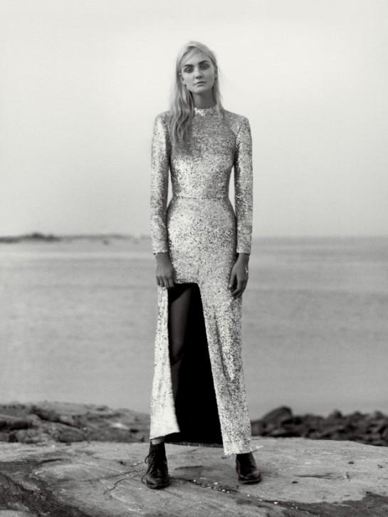 Vogue-US-December-2015-Caroline-Trentini-by-Jamie-Hawkesworth-07a-620x826