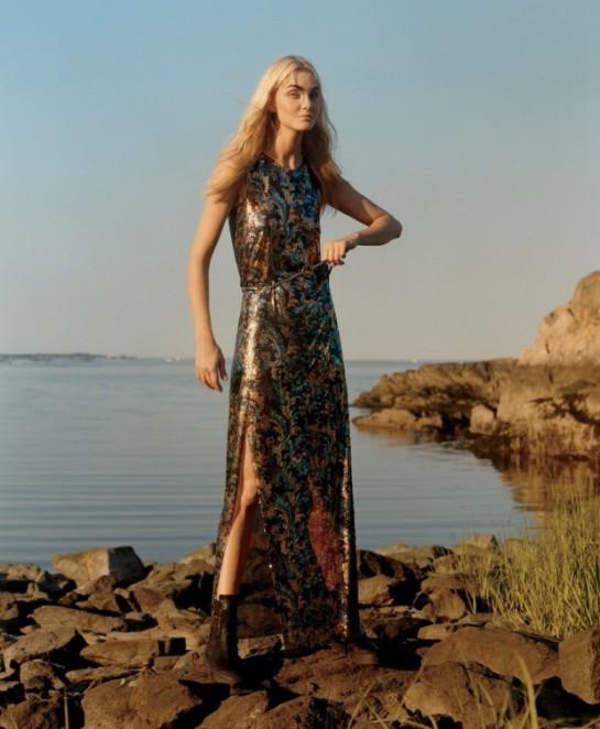 Vogue-US-December-2015-Caroline-Trentini-by-Jamie-Hawkesworth-07bc-620x754